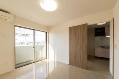 プライバシーを保てるゆとりの居室と充実の設備